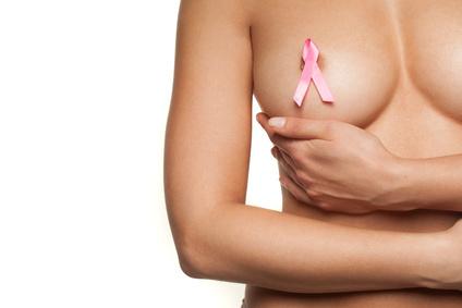乳首や乳輪がもう少し小さくて綺麗なピンクだったら…と思います。