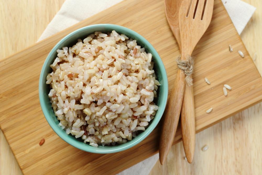 玄米ダイエットは効果的!白米の代わりに玄米を食べれば、体質改善にも役立ちますよ。