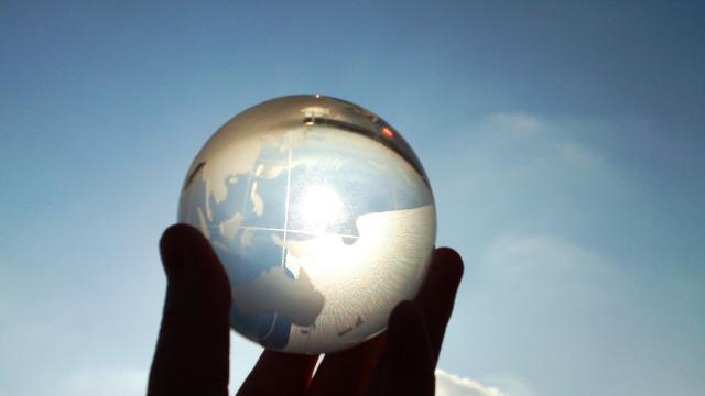 プラス思考とマイナス思考、あなたはどっち?思考を変えるためには、なりきるのがポイント!