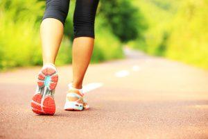 1日1万歩は危険!?明らかになった健康に良いウォーキングは早歩きで20分だそうです!