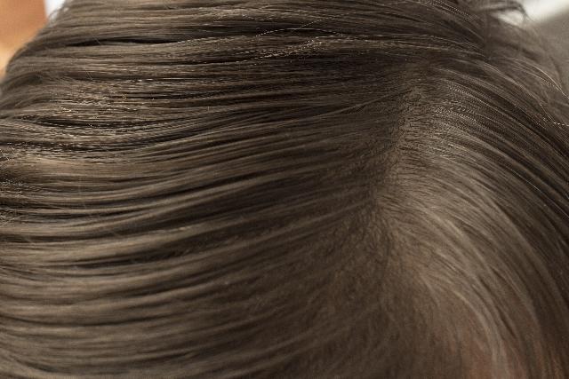 頭皮の保湿について。薄毛抜け毛には頭皮が目覚める新発想のブラックシャンプー!