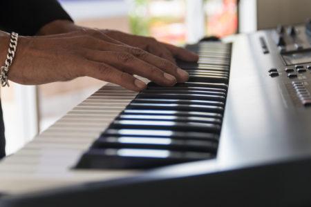 ピアノと電子ピアノ。音の違いについて