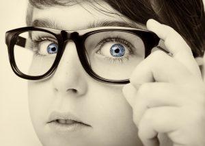 低下した視力は戻らない? 視力低下の原因と視力回復のためにすべきこととは?意外な視力低下の原因は…。