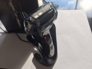 パナソニック ラムダッシュ メンズシェーバー 3枚刃 お風呂剃り可 黒 ES-ST29-Kが届きました!