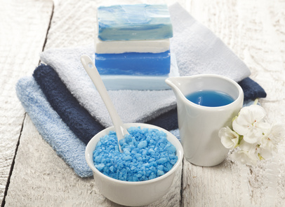 臭いを放置して嫌われる前に改善しましょう!加齢臭、わきが臭、足臭、口臭、汗の臭いの改善方法