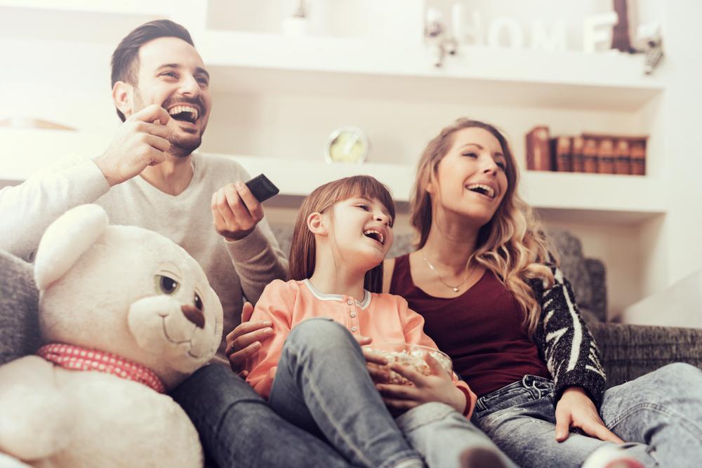 家族で楽しめるDVDを見つけたので即購入。妻も子供達も笑顔になってくれたのでDVDを購入して良かったです。
