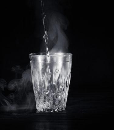代謝を上げるためには白湯(さゆ、しらゆ)を飲むこと!白湯ダイエット!