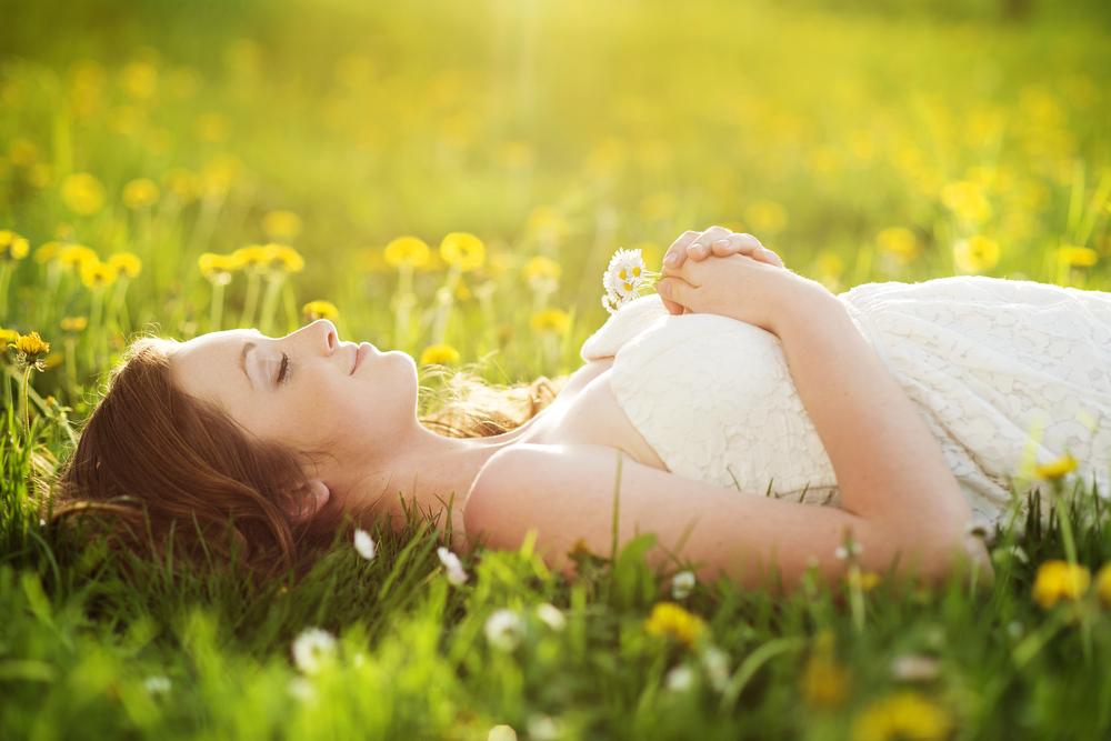 いびきを改善するには寝方を変えるのもひとつ!それぞれのメリット・デメリットとは?