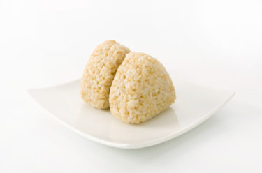 ダイエットには玄米おにぎりがおすすめ
