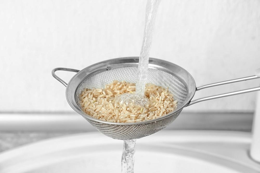玄米を食べるとおならが増える?